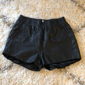 TOPSHOP leather shorts with pockets